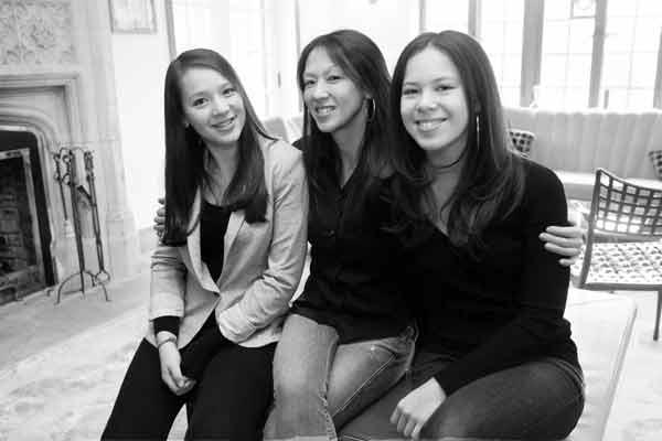 Mẹ Hổ và hai cô con gái Sophia và Lu Lu - Nguồn: Internet
